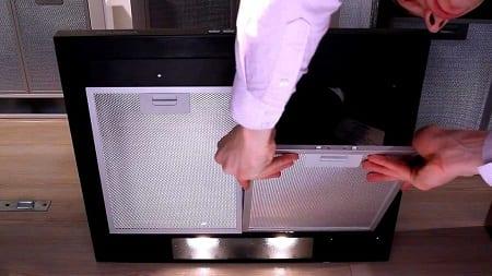 كيف تستبدل الفلتر في شفاط المطبخ دون تنفيس في التهوية؟