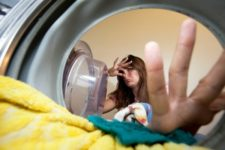 le linge sent mauvais après le lavage